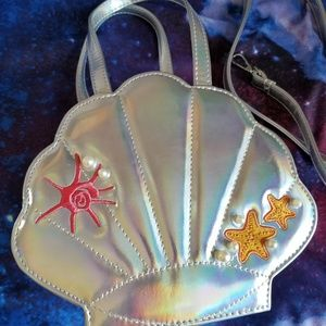 Banned shell purse